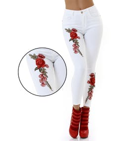 Vita Jeans med Rött Rosenbroderi 4058ea8569e70