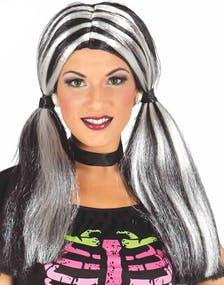 Grå Peruker - Peruker Efter Färg - Karneval   Party Peruker - Peru 1828279bc06b9
