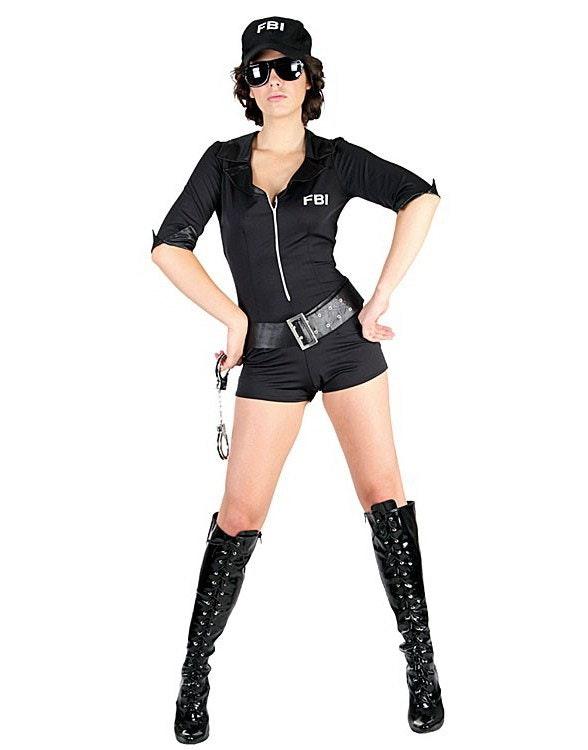 real scort politi kostyme dame