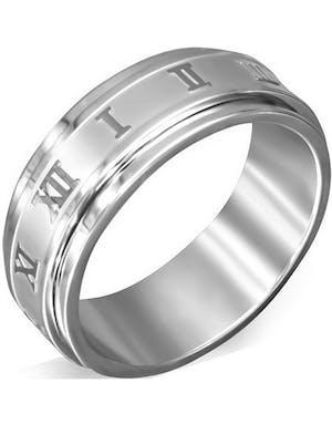 Spinning - Silverfärgad Ring i Kirurgisk Stål med Romerska Siffror 37ebd463e8